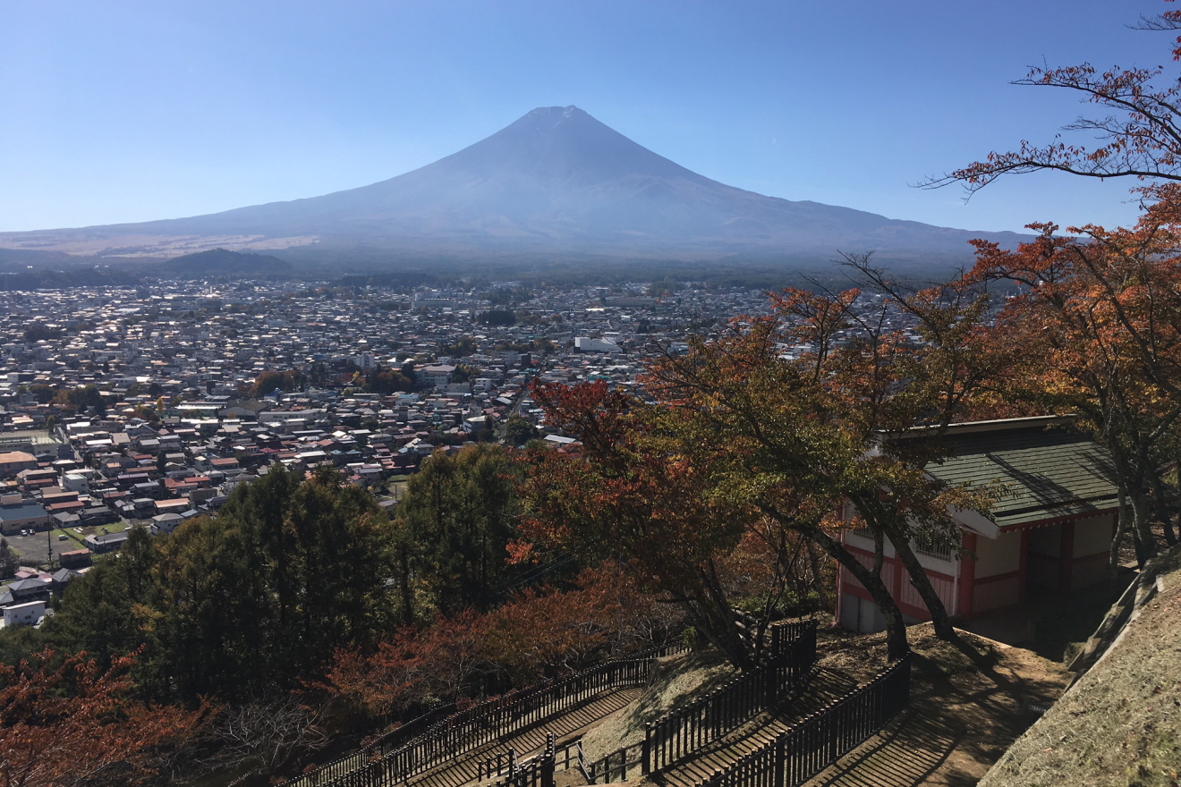 忠霊塔から見た富士吉田市街