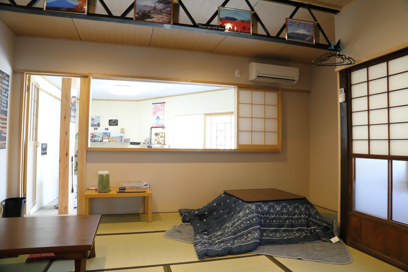 カフェARAKURA店内