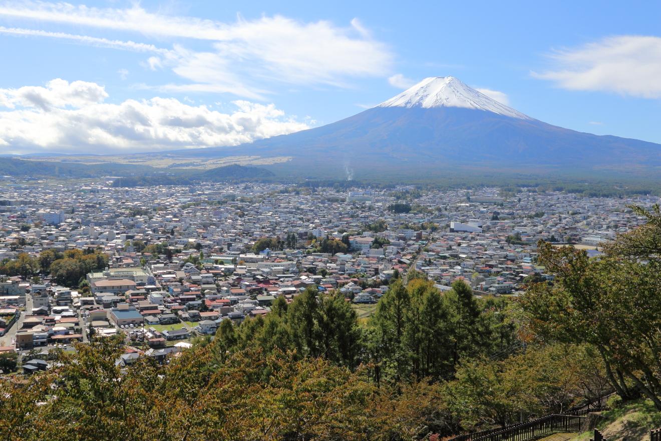 忠霊塔からの富士吉田市