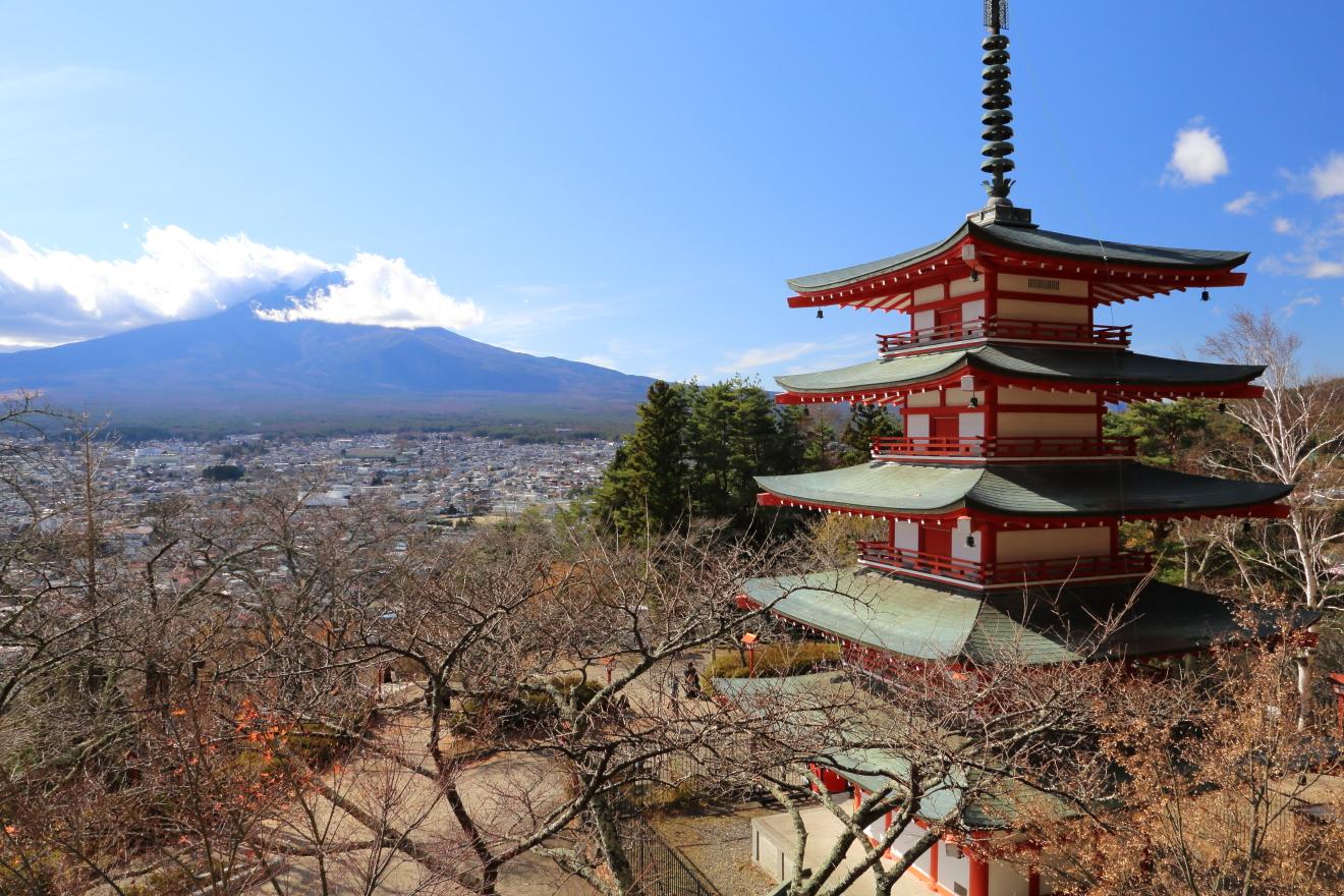 忠霊塔:富士山
